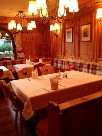 Hotel Sonnblick : Outro cantinho muito lindo do restaurante.