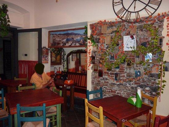 Pizzeria Ravecca da Pino : Intérieur salle à manger