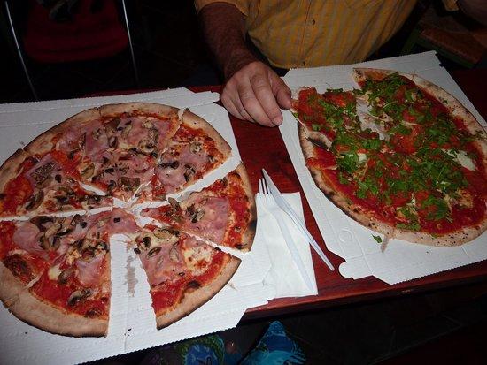 Pizzeria Ravecca da Pino : Les pizzas et leurs cartons