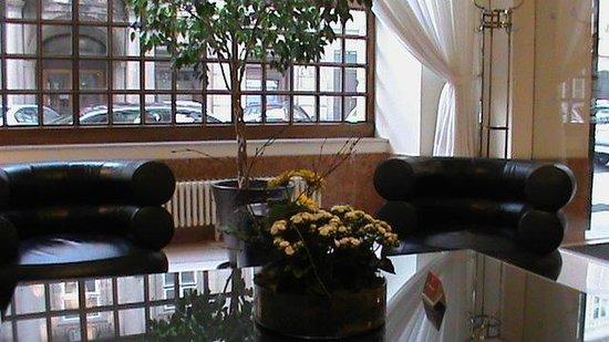 K+K Hotel Central: breakfast room