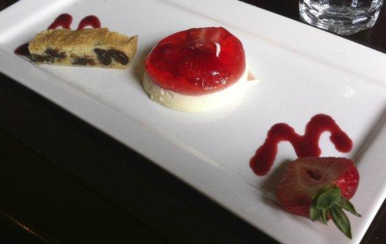 Saracens Head Hotel: Strawberry panna cotta