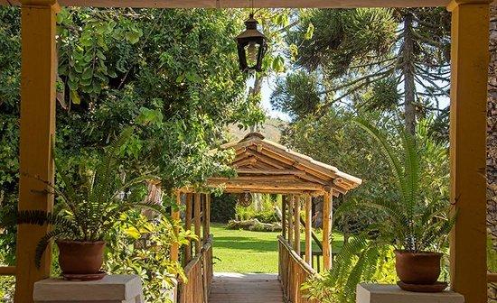 Hacienda- Hosteria Chorlavi : JARDINES/GARDENS
