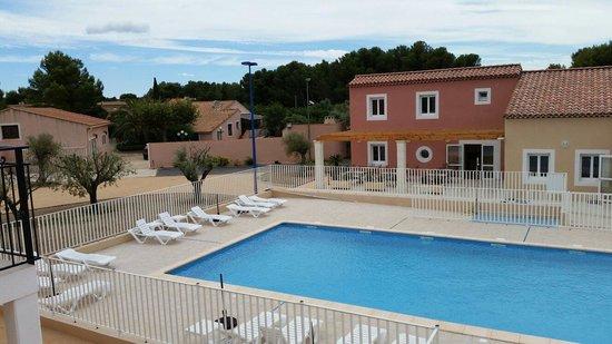 Residence De Tourisme La Provence Saint Mitre Les Remparts Frankrike Omd Men Och