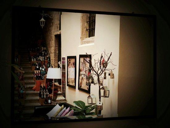 Il Desco : ...dalla sala bar... by Ettore