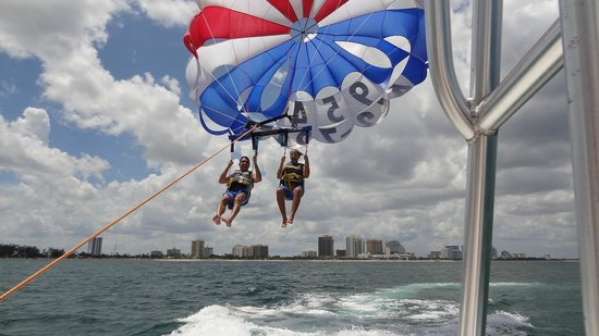 Aloha Watersports: Just lifting off the platform