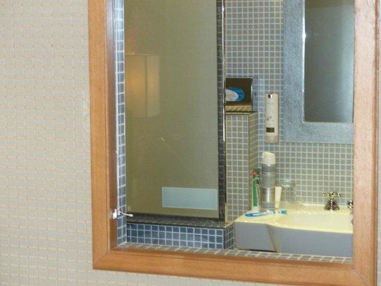 Hôtel Louison : salle de bain