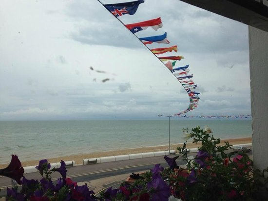 Dunkerley's Restaurant and Hotel: Even on a blustery day the view was pleasing!