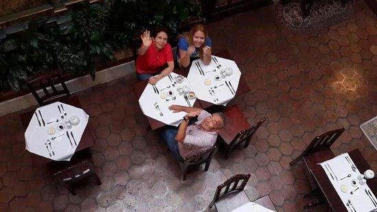 Desayunando en casa san rafael  !!!