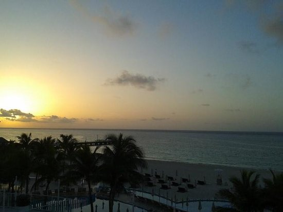 Playacar Palace: sunrise