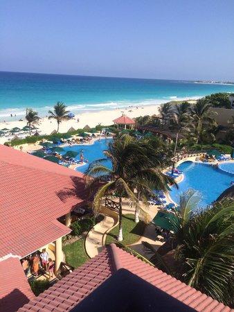 GR Solaris Cancun: Beautiful pool/ocean view panoramic room!