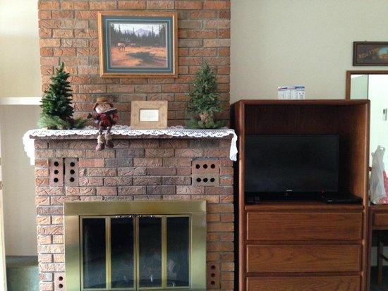 Deer Crest Resort: Fireplace & TV