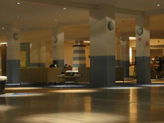 Golden Coast Hotel & Bungalows : Bar / Lounge Area
