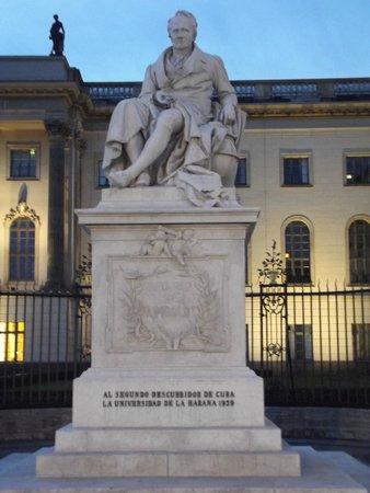 Humboldt University (Humboldt Universitat): Statua di Humboldt