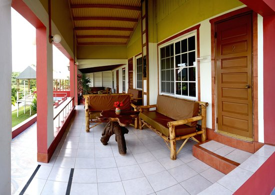 Rumors Resort: Standard Rooms Covered Patio