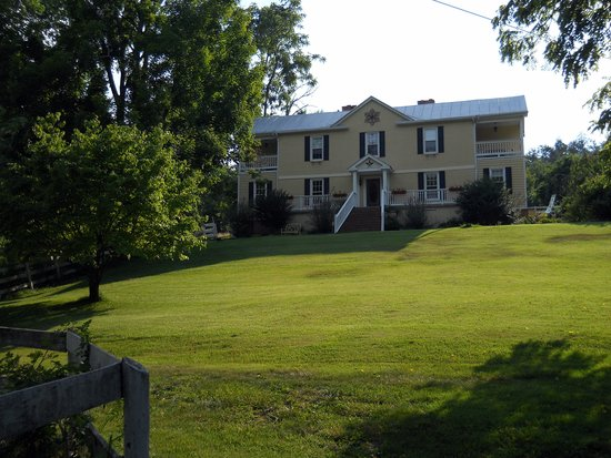 Shenandoah Manor Bed and Breakfast: Manor