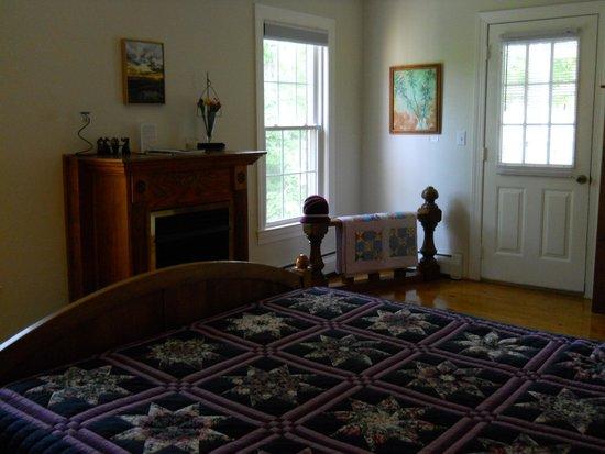 Shenandoah Manor Bed and Breakfast : Van Gogh Room