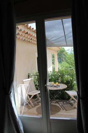 Au point de Lumière : Terrace thru back door