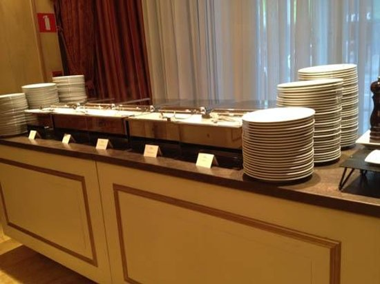 Hotel Le Plaza: Hot Foods Including Scrambled Eggs, Ham AND Crepes At  Breakfast
