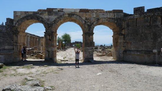 Hierapolis & Pamukkale : Agora