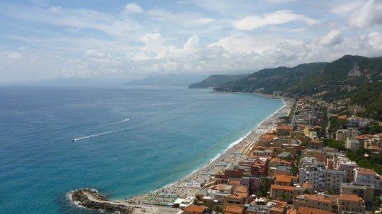 Panorama di Varigotti dalla Torre Saracena - Foto di Torre ...