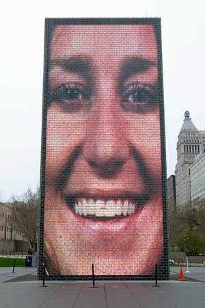Crown Fountain: Not working fountain