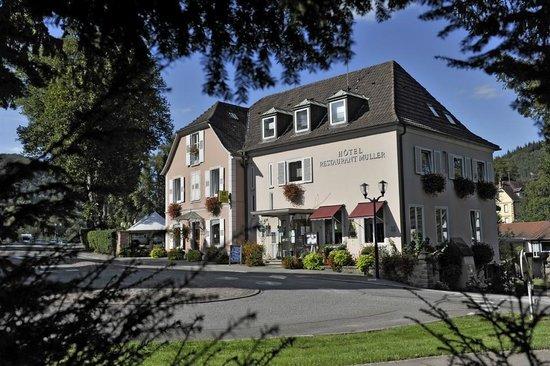 Hotel Muller : Façade Restaurant