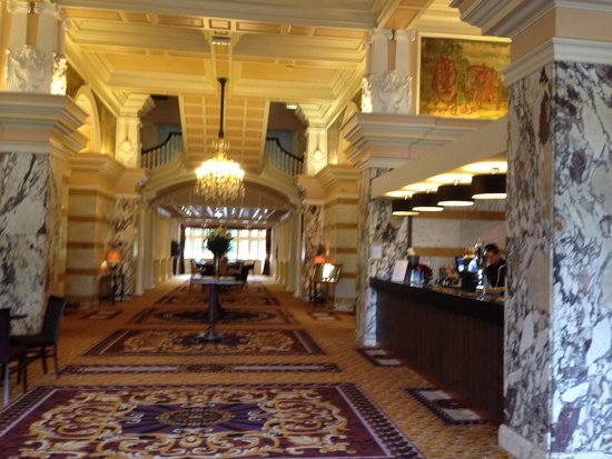 The Majestic Hotel: Bar area