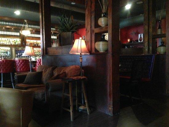 Sims Corner Steakhouse & Oyster Bar: 店内