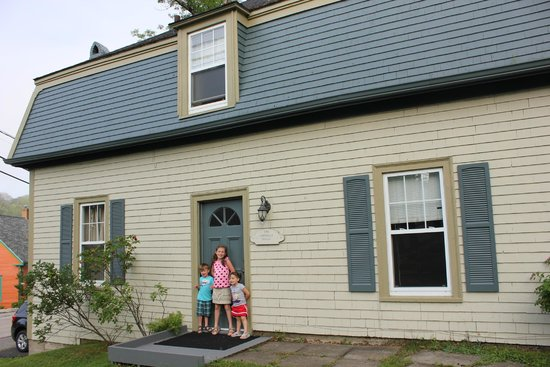 Bluenose Lodge: The Carriage House