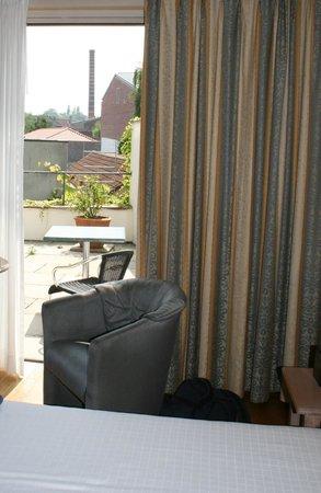 Flanders Hotel : Hotel room