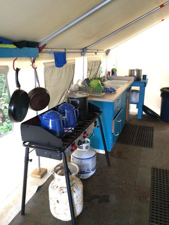 Wildcoast Adventures: The well equipped kitchen for gourmet food creation :)
