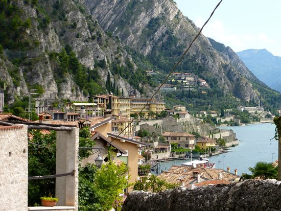 Hotel Splendid Palace: View of Hotel from Limone yellow building, secret swimming pool lemon grove to the Lower left