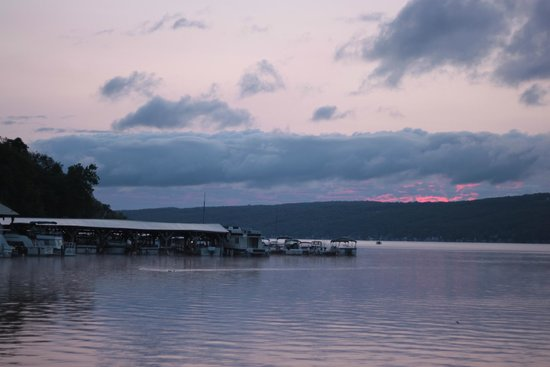 Keuka Lakeside Inn: the sun was trying to rise, this is from their grounds