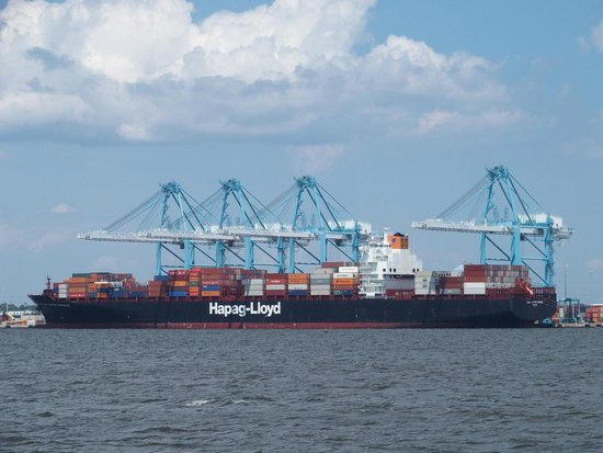 Victory Rover Naval Base Cruises : Container vessels