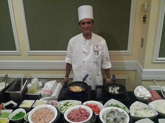 Renaissance Meadowlands Hotel: Chef Tony ready to take your order