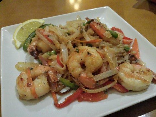Renaissance Meadowlands Hotel: Jumbo shrimp Chow Mein