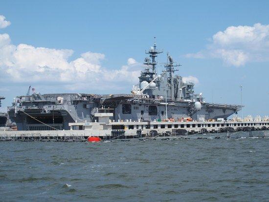Victory Rover Naval Base Cruises : USS Iwo Jima