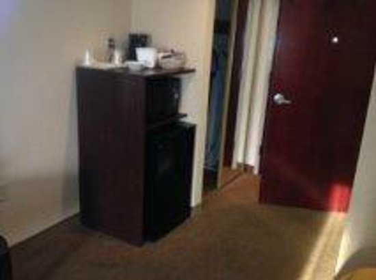 Quality Inn & Suites: Microwave, fridge and coffee maker