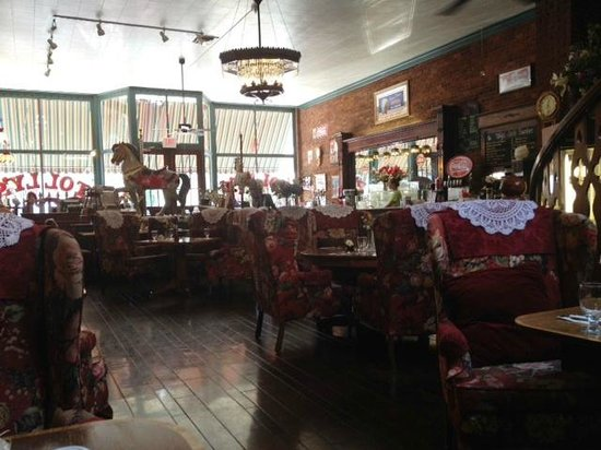 Tolly's: Soda Fountain/dining Room