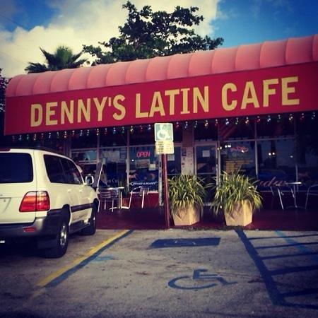 Dennys Latin Cafe: Good coffee here.