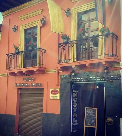 Hostal Rincon Familiar: Exterior hostal