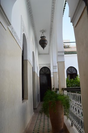 Riad Aguerzame : hallway to our first floor bedroom