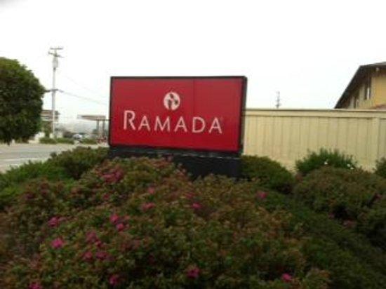 Ramada Marina Del Rey: Fachada externa do hotel