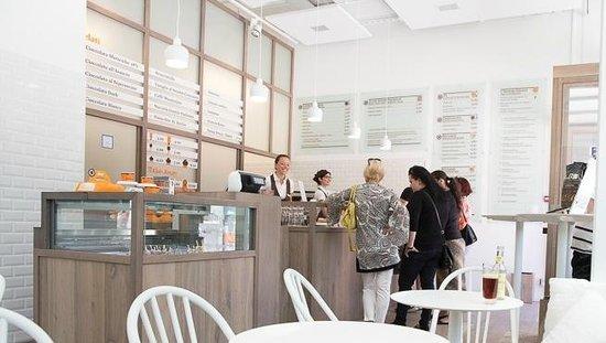 Schokolato Bar Gelateria : SCHOKOLATO - Interior
