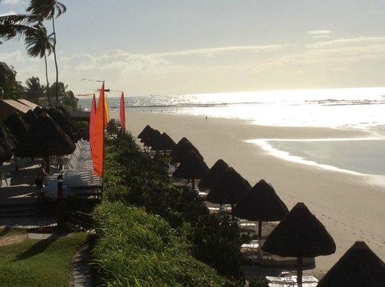 Pontal De Ocapora: Praia na frente do hotel