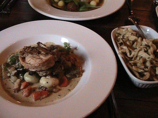 GoodWolfe Kitchen+Bar : GoodWolfe Cornish Hen & Spaetzle