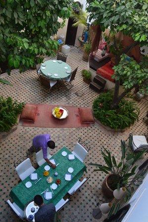 Riad Aguerzame : Said preparing breakfast