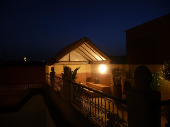 Riad Aguerzame : roof top at night