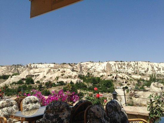 SOS Cave Hotel: ホテルからの眺め