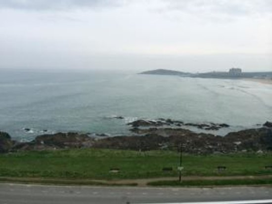 Fistral Beach Hotel and Spa: Sea view from the room. Beautiful and relaxing view
